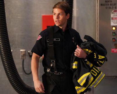lachlan buchanan hot men in uniform - station 19 firefighter2