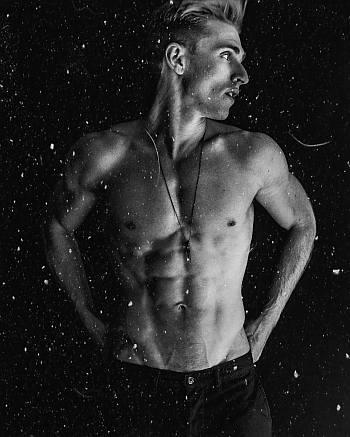 leah lewis boyfriend - payson lewis shirtless hot body