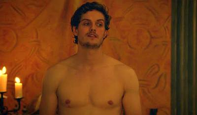 Daniel Sharman shirtless in medici