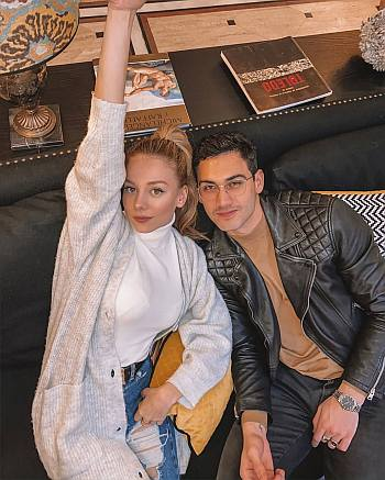 Alejandro Speitzer girlfriend ester exposito