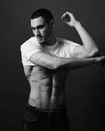 Alejandro Speitzer shirtless abs and underwear - dark desire
