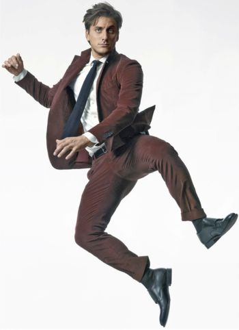 Luca Marinelli suit and tie in style magazine editorial
