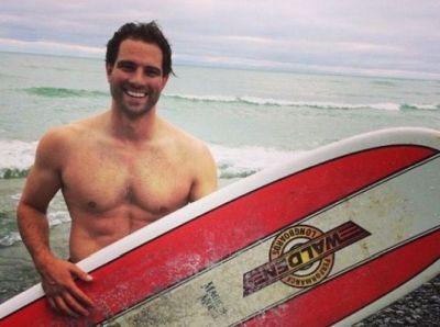 Scott McGillivray body surfer dad bro