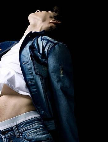harry lloyd underwear peekabo from jeans