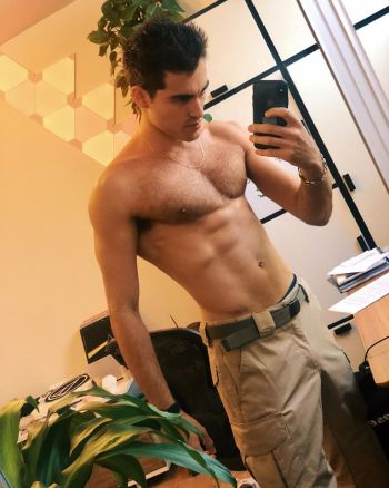 hot guys with iphones blake michael