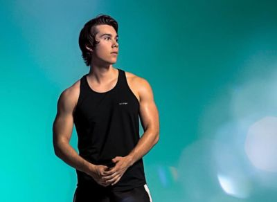 jeremy shada hot muscle shirt