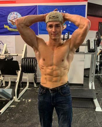 micah plath workout at the gym shirtless