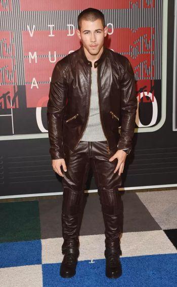 hot men in leather pants nick jonas versace vma 2015