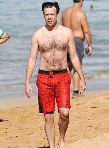 Jason Sudeikis shirtless body chest hair