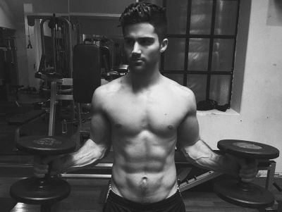 Max Ehrich body workout