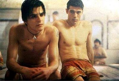 Mehmet Günsür gay in the turkish bath with Alessandro Gassmann