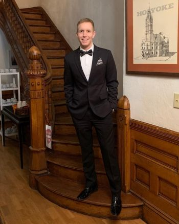 alex morse gay holyoke mayor is hot in his suit