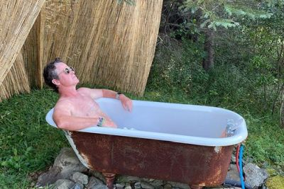 billy bush body shirtless - extra