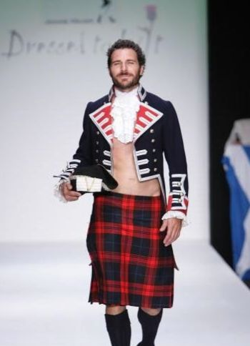 celebrity dilf ed quinn in kilt