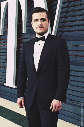 josh hutcherson sexy in suit and tie