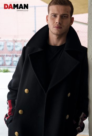 male celebrity coat - tommy hilfiger on oliver stark