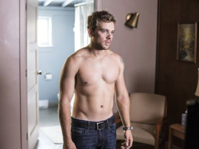 max thieriot shirtless in jeans bates motel