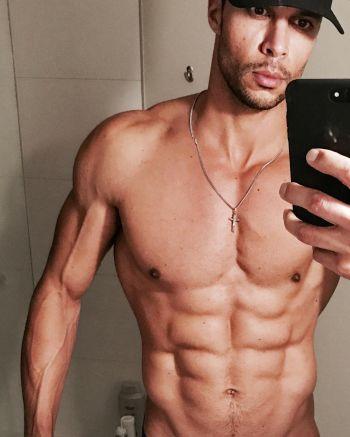 Matt Cedeño abs body now - guys with iphones
