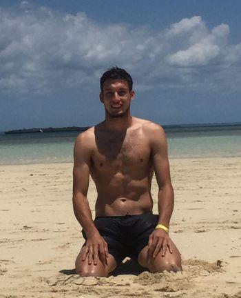 Pablo Carreño Busta shirtless at the beach