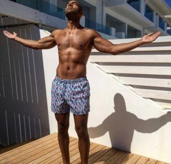 alex beresford body - short shorts