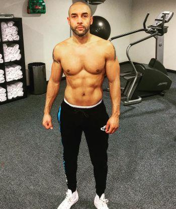 alex beresford underwear peekabo gym workout
