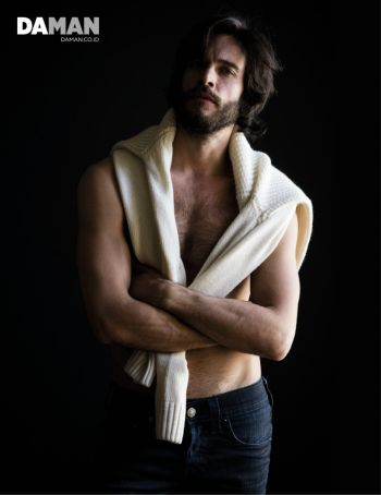 daniel di tomasso shirtless hunk