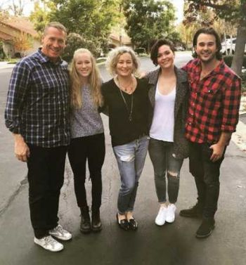 hutch dano family - father mother and sisters