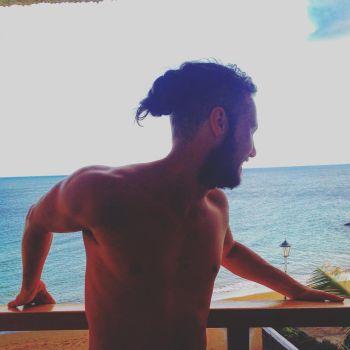 jordan patrick smith shirtless scottish hunk