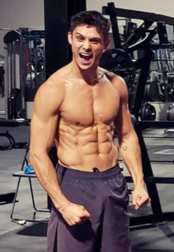 timothy granaderos body - sculpted abs