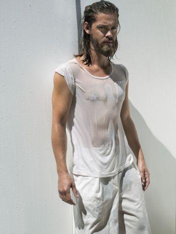 tom payne hot and wet shirt