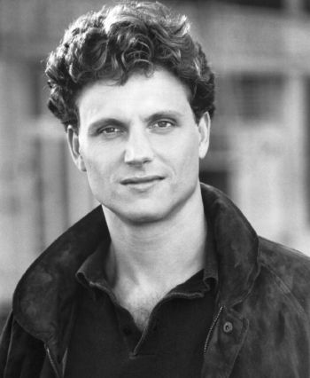 tony goldwyn young and hot