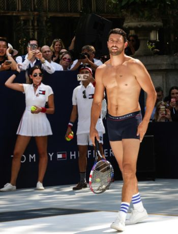underwear as outerwear in tennis - tommy hilfiger noah mills2