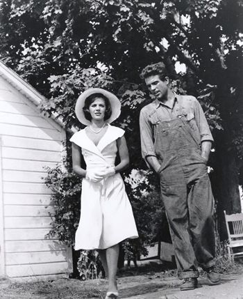 warren beatty young in overalls - with natalie wood in splendor in the grass - 1961