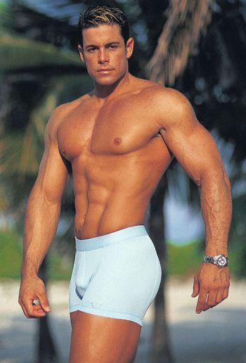 1990s vintage hunks ronaldo sanchez2