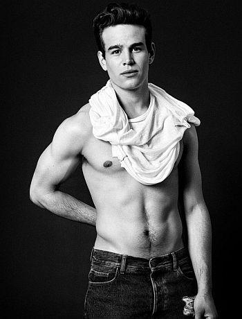 Alberto Rosende shirtless body