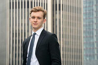 Harry Lawtey hot men in suit - industry