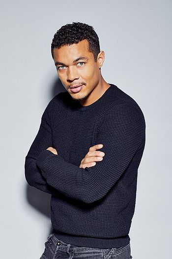 Ismael Cruz Cordova hot in sweater