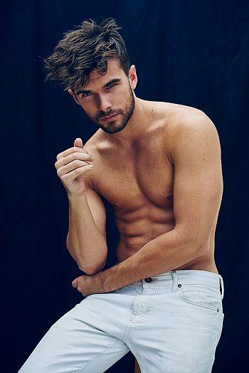 Josh Swickard body in jeans