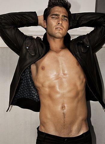 Tyler Hoechlin shirtless body