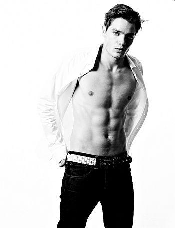 dominic sherwood shirtless washboard abs