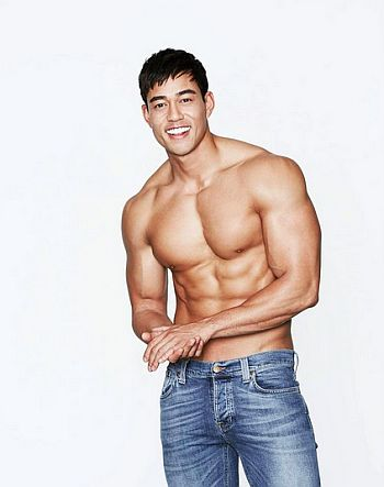 nam vo shirtless body - the challenge - hot asian hunk