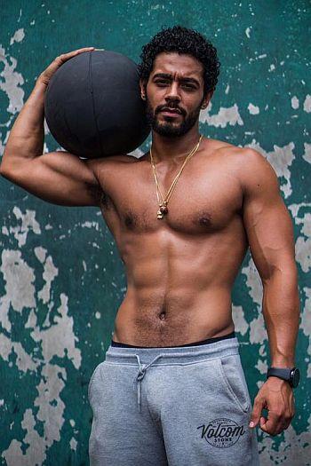 nick sagar men with big balls