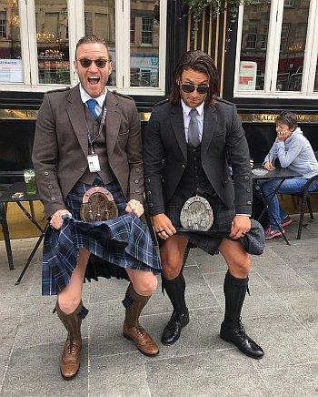Diarmaid Murtagh hot men in kilt - with zach mcgowan2