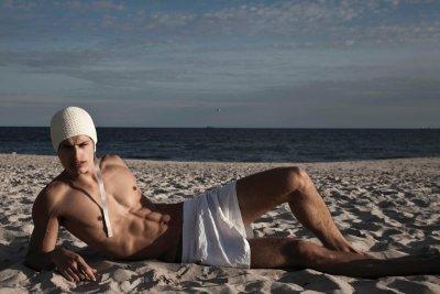 dakota taylor underwear model