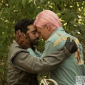 Christopher Russell gay kiss with Lee Majdoub in dirk gently