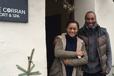 Colin Jackson ethnicity - with sister actress Suzanne Packer