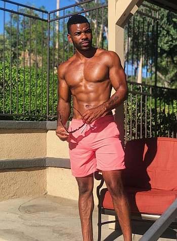 Jermelle Simon shirtless black hunk