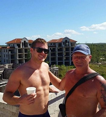 Mike Holmes Jr hot body with daddy2