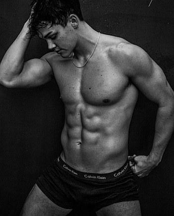 noah beck underwear model ck