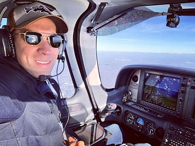 stefan holt pilot flying airplaine